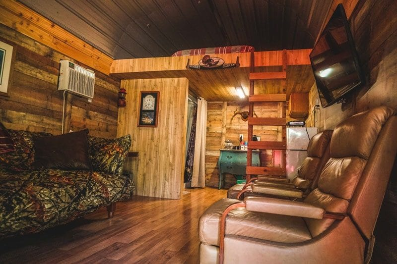 AAO cabin living room