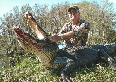 alligator-alley-outfiiters-florida-gator-hunting-min